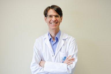 Dr. Luis Ricardo Iglesias Vela